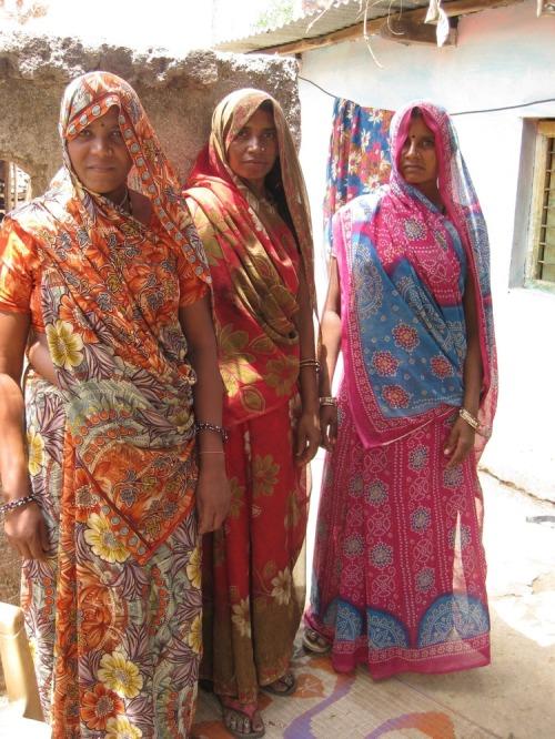 Women_in_village