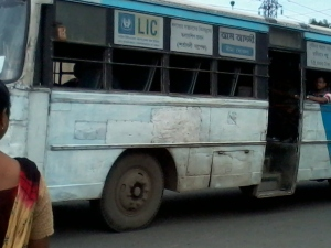 Bus (Kolkata 2013)