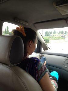 Kendra flowers in hair