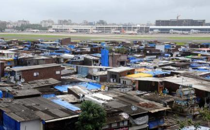 Slum in Mumbai, near the aiport